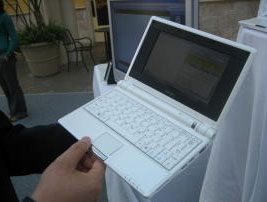 Портативный компьютер Eee PC
